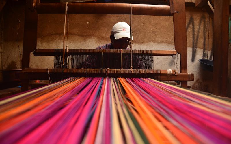 Guatemala Handwebstuhl Fäden