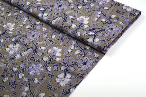 Blauer Batikstoff grün lila
